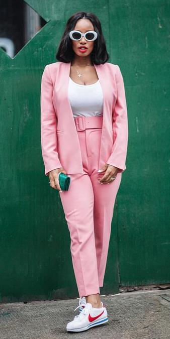pink-light-slim-pants-suit-white-tee-sun-brun-lob-white-shoe-sneakers-pink-light-jacket-blazer-spring-summer-lunch.jpg