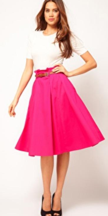r-pink-magenta-midi-skirt-white-tee-belt-black-shoe-pumps-wear-fashion-style-spring-summer-peeptoe-brun-dinner.jpg