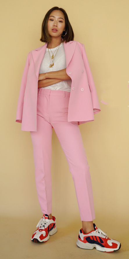pink-light-slim-pants-suit-red-shoe-sneakers-white-tee-necklace-pink-light-jacket-blazer-brun-lob-spring-summer-lunch.jpg
