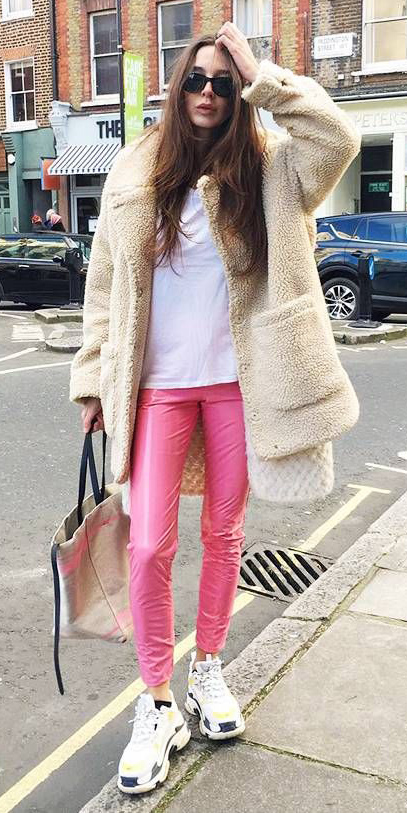 pink-magenta-leggings-white-tee-sun-tan-jacket-coat-fur-white-shoe-sneakers-hairr-fall-winter-weekend.jpg