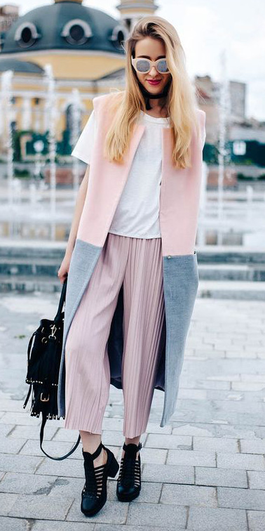 pink-light-culottes-pants-white-tee-sun-blonde-peach-vest-tailor-pink-light-vest-tailor-black-bag-black-shoe-booties-spring-summer-lunch.jpg