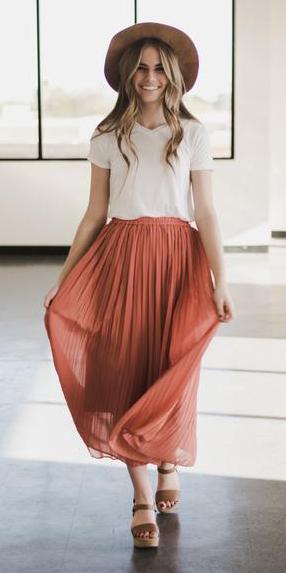 orange-midi-skirt-white-tee-hat-blonde-cognac-shoe-sandalw-spring-summer-weekend.jpg