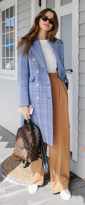 tan-wideleg-pants-white-tee-blue-light-jacket-coat-plaid-brown-bag-pack-white-shoe-sneakers-sun-hairr-fall-winter-weekend.jpg