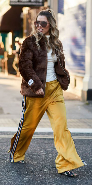 yellow-wideleg-pants-white-tee-turtleneck-brown-jacket-coat-fur-blonde-sun-trackpants-fall-winter-lunch.jpg