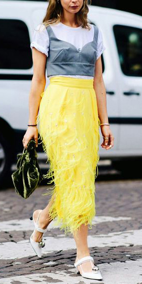 yellow-midi-skirt-grayl-crop-top-bustier-white-tee-blonde-green-bag-white-shoe-pumps-spring-summer-dinner.jpg