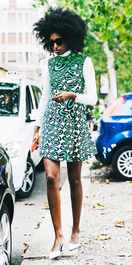 green-emerald-dress-mini-print-white-tee-turtleneck-white-shoe-pumps-brun-fall-winter-lunch.jpg