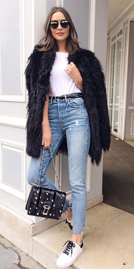blue-light-skinny-jeans-belt-white-tee-black-bag-white-shoe-sneakers-hairr-sun-black-jacket-coat-fur-oliviaculpo-fall-winter-weekend.jpg