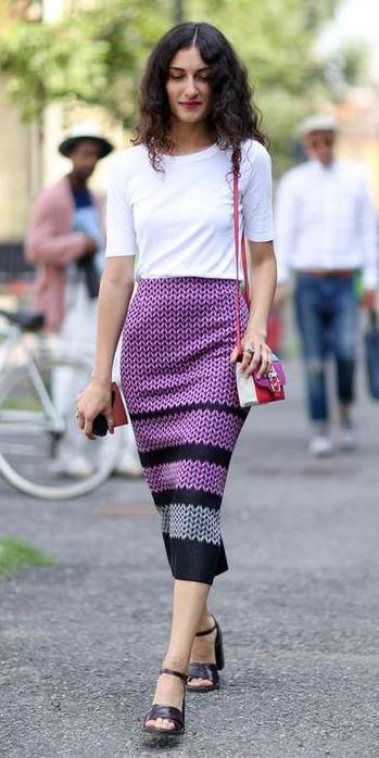 purple-light-midi-skirt-white-tee-red-bag-stripe-wear-outfit-spring-summer-black-shoe-sandalh-brun-lunch.jpg