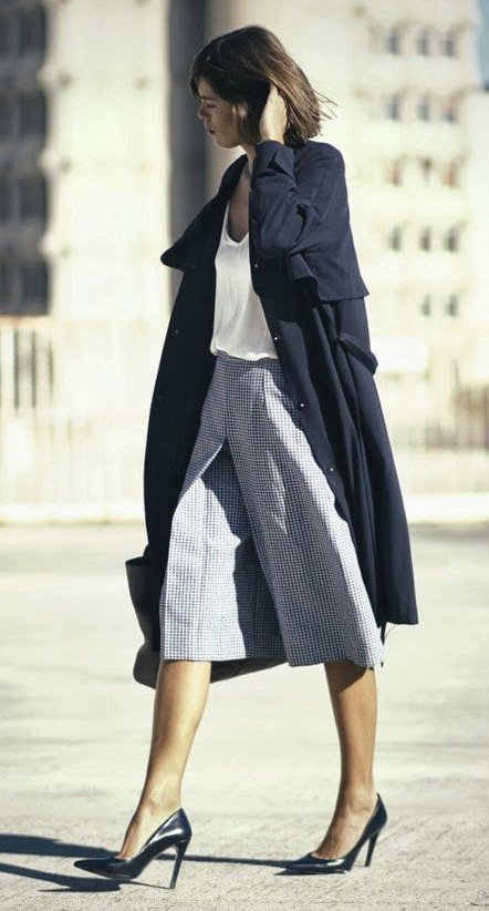 grayl-culottes-pants-white-tee-black-jacket-coat-trench-black-shoe-pumps-fall-winter-hairr-work.jpg
