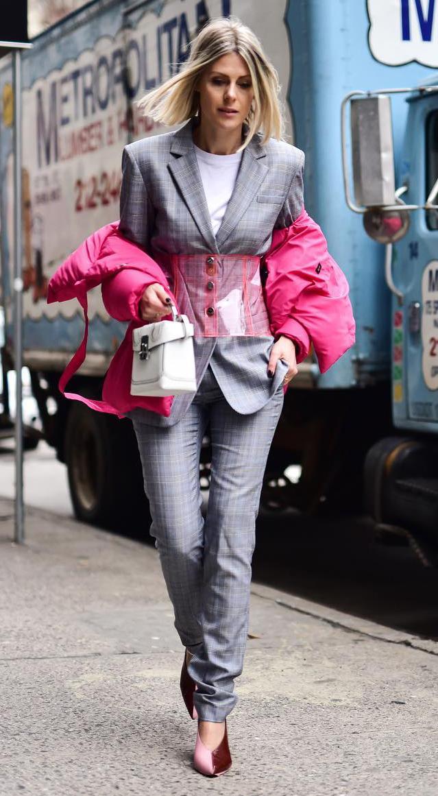 grayl-slim-pants-suit-corset-white-tee-grayl-jacket-blazer-blonde-white-bag-pink-shoe-pumps-pink-magenta-jacket-coat-puffer-fall-winter-lunch.jpg