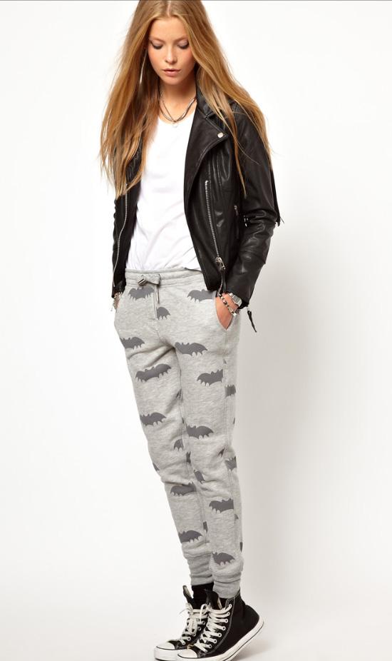 grayl-joggers-pants-zprint-white-tee-black-jacket-moto-necklace-black-shoe-sneakers-wear-style-fashion-fall-winter-blonde-sweats-weekend.jpg