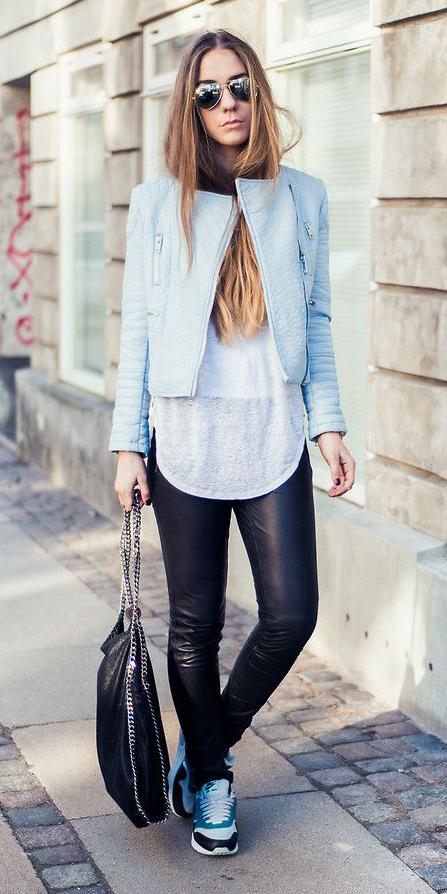 black-skinny-jeans-white-tee-blue-light-jacket-moto-sun-wear-outfit-fashion-fall-winter-blue-shoe-sneakers-black-bag-hairr-weekend.jpg