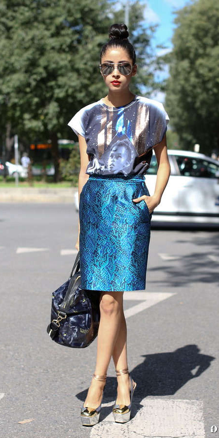 blue-med-pencil-skirt-blue-navy-graphic-tee-sun-brun-bun-blue-bag-gray-shoe-sandalh-spring-summer-dinner.jpg