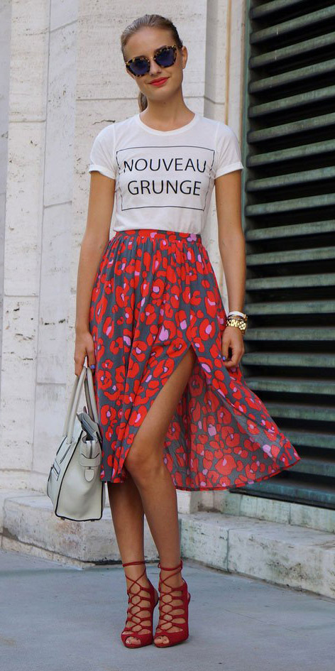red-midi-skirt-floral-print-white-graphic-tee-blonde-pony-red-shoe-sandalh-sun-spring-summer-dinner.jpg