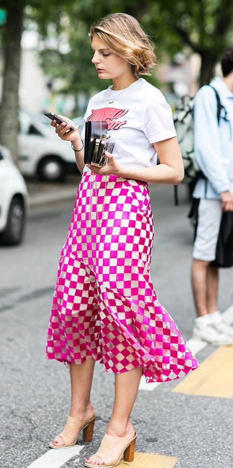 pink-magenta-midi-skirt-white-graphic-tee-tan-shoe-sandalh-check-print-bob-spring-summer-blonde-lunch.jpg