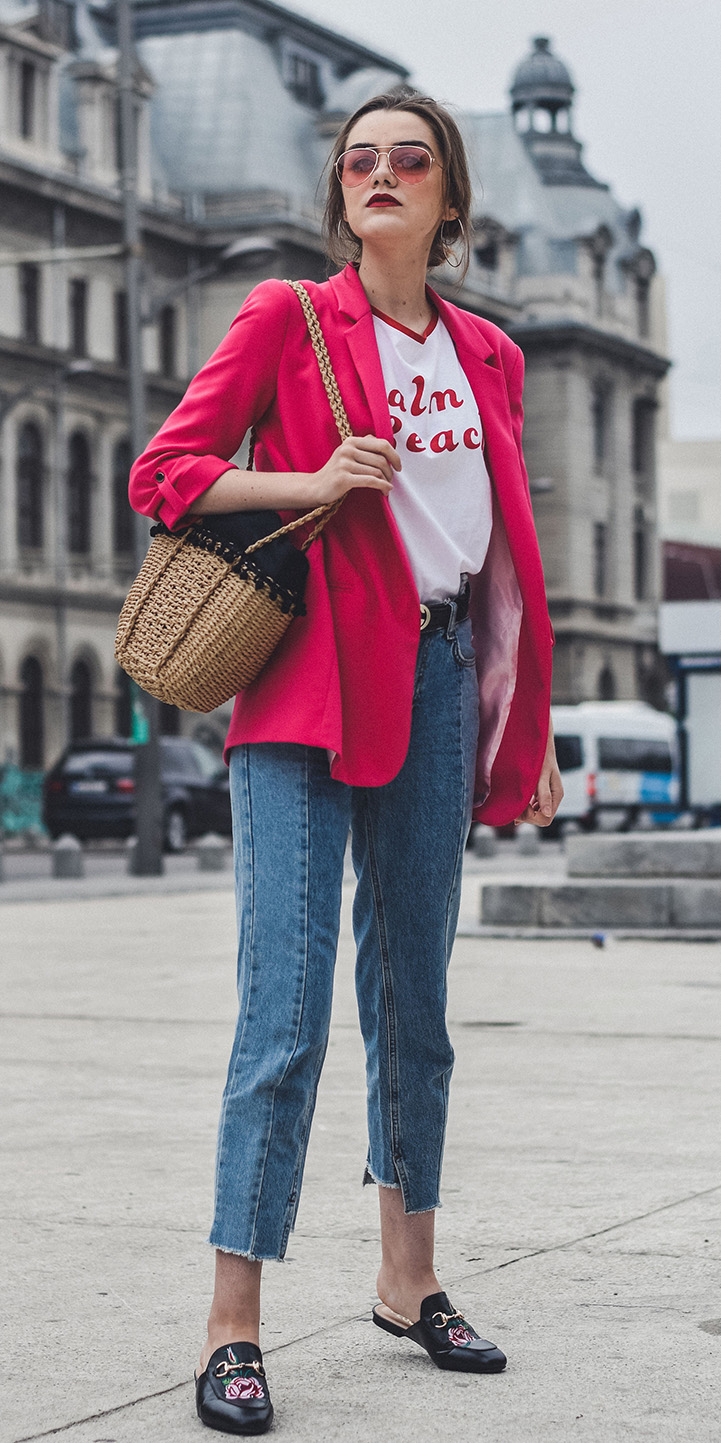 blue-med-skinny-jeans-white-graphic-tee-tan-bag-black-shoe-loafers-slides-sun-pink-magenta-jacket-blazer-hairr-spring-summer-lunch.jpg