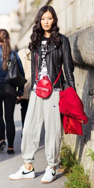 grayl-joggers-pants-white-shoe-sneakers-red-bag-white-graphic-tee-black-jacket-moto-spring-summer-brun-weekend.jpg