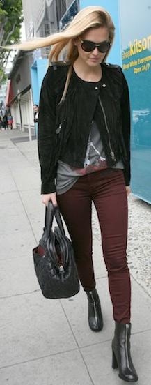 burgundy-skinny-jeans-grayl-graphic-tee-black-jacket-moto-black-bag-blonde-fall-winter-weekend.jpg