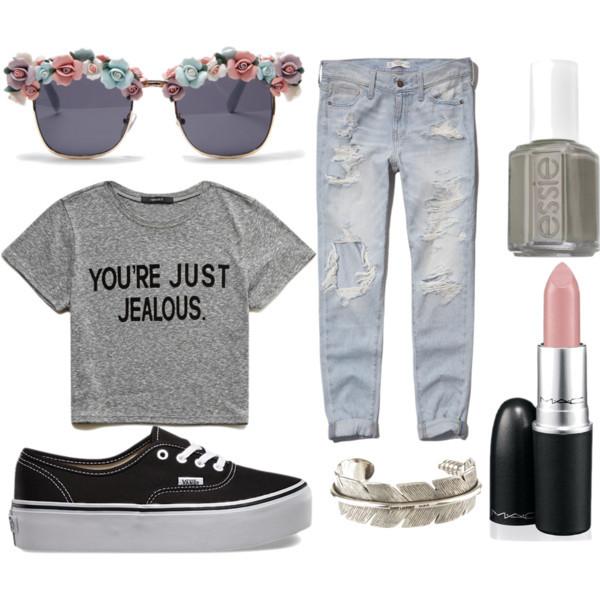blue-light-boyfriend-jeans-grayl-graphic-tee-black-shoe-sneakers-sun-nail-bracelet-mom-fall-winter-weekend.jpg