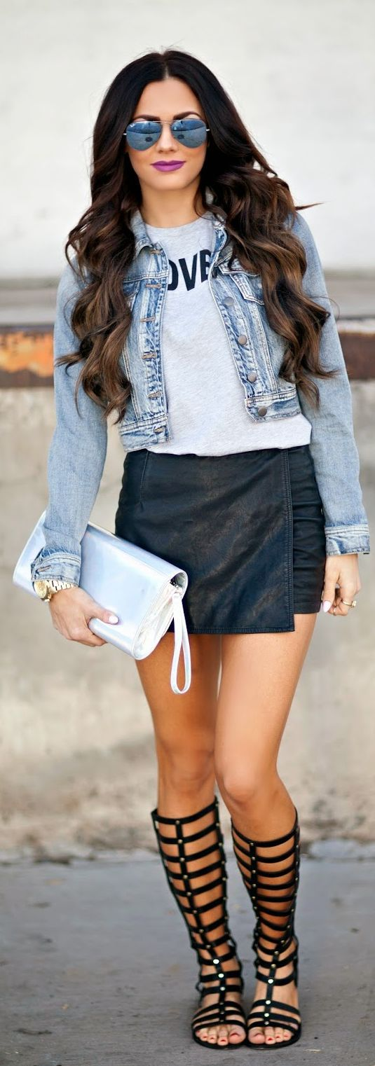 black-mini-skirt-grayl-graphic-tee-blue-light-jacket-jean-gray-bag-clutch-black-shoe-sandals-gladiator-sun-brun-spring-lunch.jpg