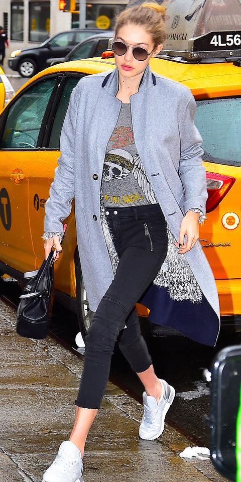 black-skinny-jeans-grayl-graphic-tee-grayl-jacket-coat-white-shoe-sneakers-fall-winter-bun-sun-gigihadid-black-bag-hand-blonde-lunch.jpg