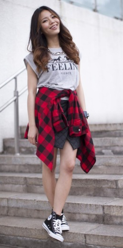 black-mini-skirt-grayl-graphic-tee-red-plaid-shirt-chain-necklace-fashion-style-outfit-fall-winter-black-shoe-sneakers-graphic-weekend-brun.jpg