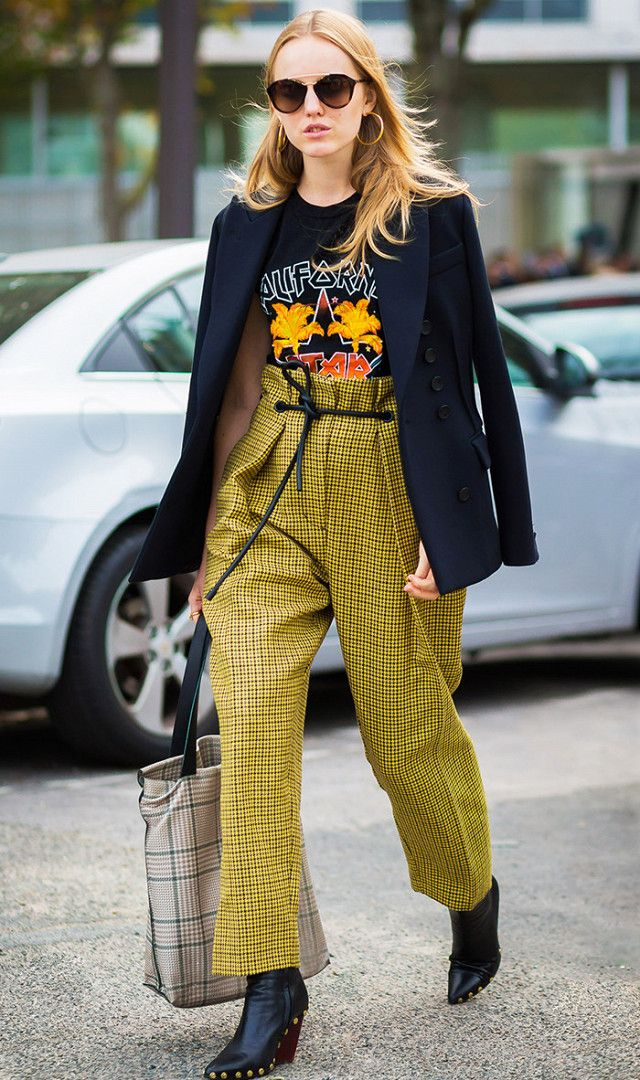 yellow-joggers-pants-black-graphic-tee-black-jacket-blazer-black-shoe-booties-sun-hoops-fall-winter-lunch.jpg