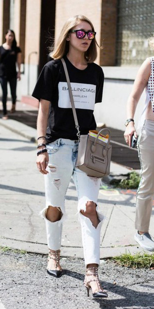 blue-light-boyfriend-jeans-black-graphic-tee-black-shoe-pumps-sun-gray-bag-blonde-spring-summer-lunch.jpg