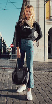 blue-med-crop-jeans-black-graphic-tee-white-scarf-neck-white-shoe-sneakers-black-bag-blonde-style-fall-winter-weekend.jpg