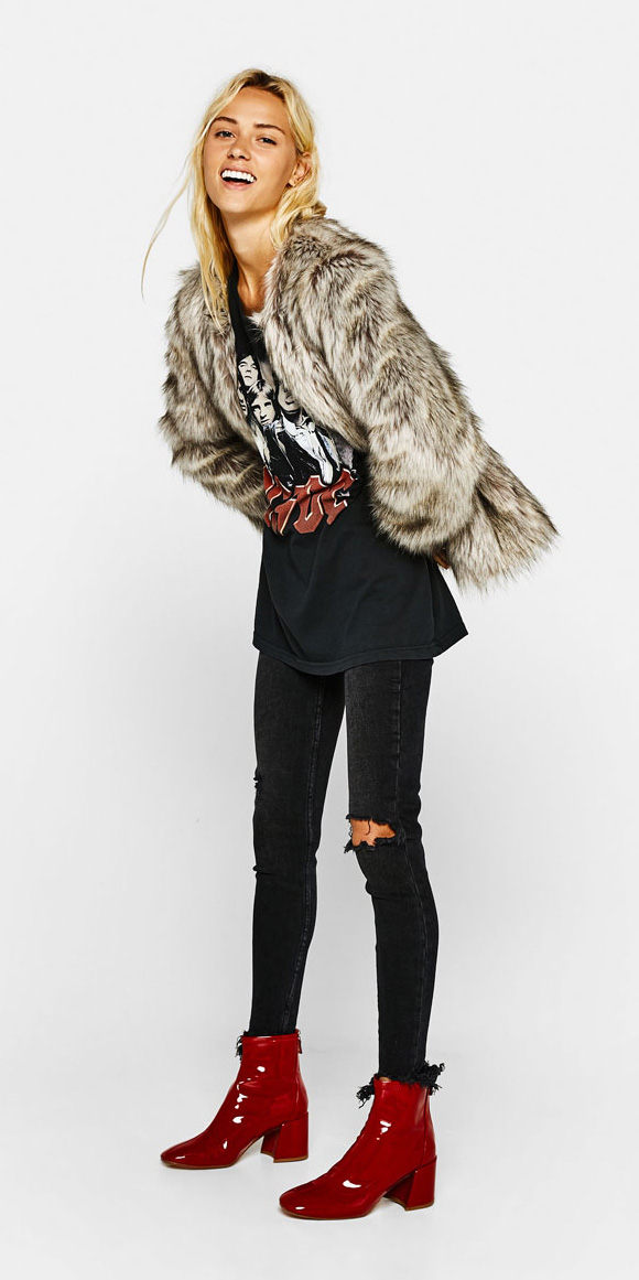 black-skinny-jeans-red-shoe-booties-black-graphic-tee-white-jacket-coat-fur-fuzz-fall-winter-blonde-weekend.jpg