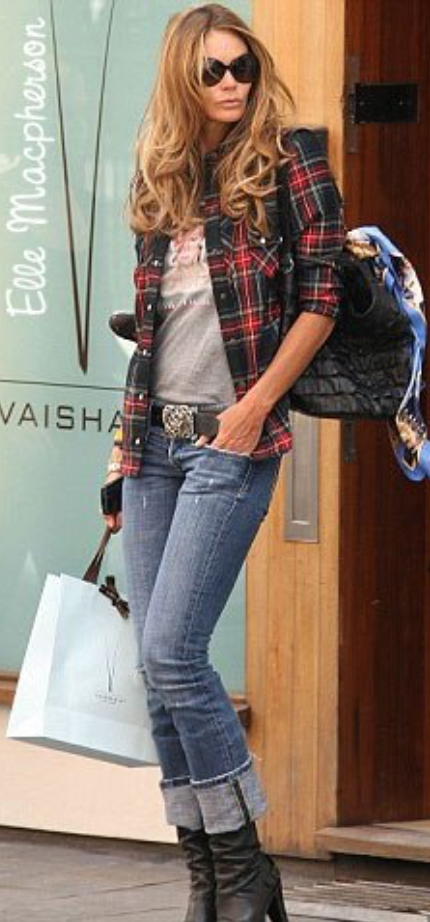 blue-med-boyfriend-jeans-grayl-tee-red-plaid-shirt-black-shoe-booties-hairr-belt-black-bag-sun-fashion-style-outfit-fall-winter-ellemacpherson-basic-model-celebrity-street-classic-weekend.jpg