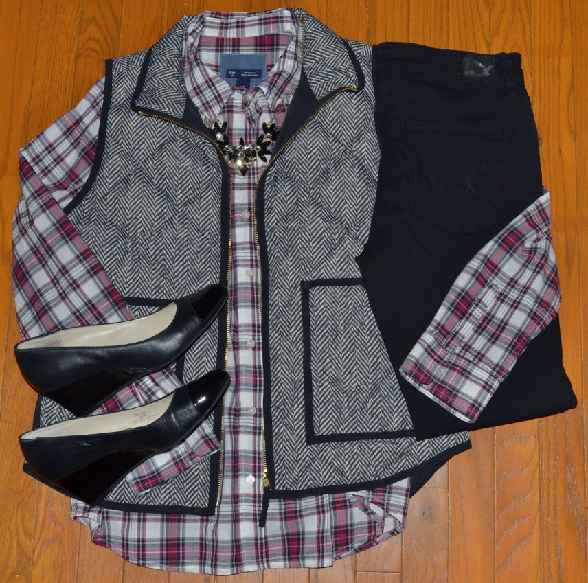 black-skinny-jeans-r-burgundy-plaid-shirt-grayl-vest-puffer-necklace-bib-black-shoe-pumps-howtowear-fashion-style-fall-winter-outfit-lunch.jpg