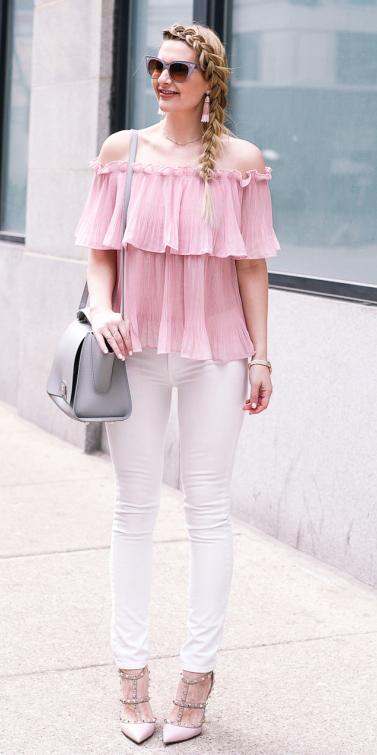 white-skinny-jeans-tan-shoe-pumps-gray-bag-sun-braid-earrings-pink-light-top-offshoulder-spring-summer-blonde-lunch.jpg