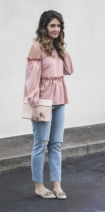 blue-light-skinny-jeans-pink-light-top-blouse-offshoulder-white-bag-clutch-ruffle-tan-shoe-flats-howtowear-fashion-style-outfit-spring-summer-hairr-lunch.jpg
