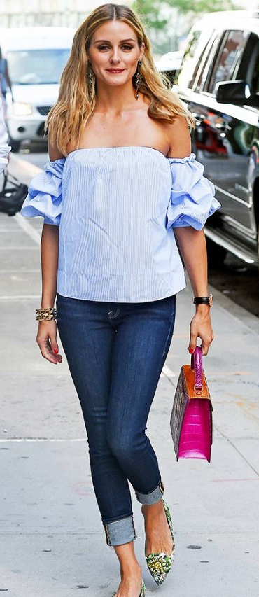 blue-navy-skinny-jeans-blue-light-top-blouse-oliviapalermo-howtowear-style-fashion-spring-summer-pink-bag-hand-earrings-green-shoe-pumps-offshoulder-cuff-hairr-lunch.jpg