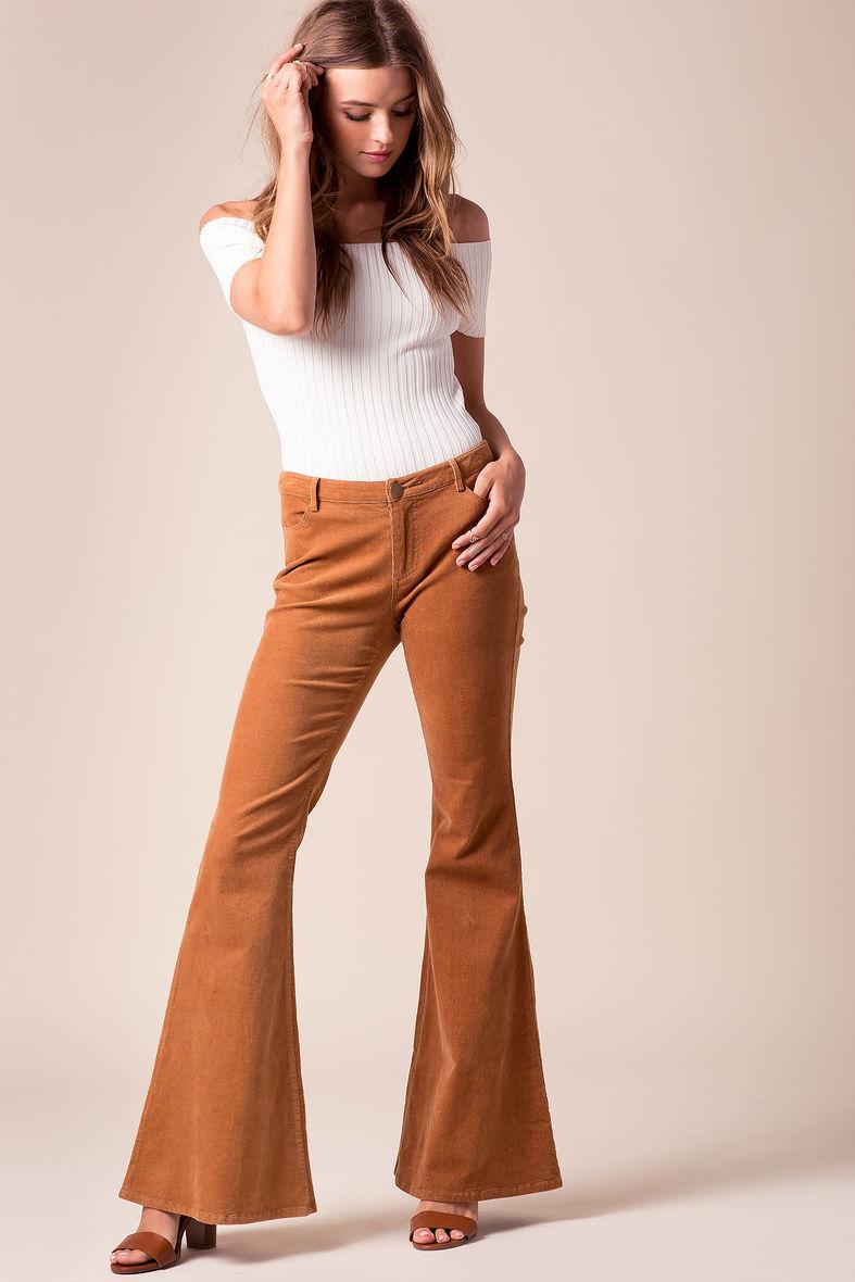 camel-flare-jeans-white-top-offshoulder-cognac-shoe-sandalh-spring-summer-hairr-lunch.jpg
