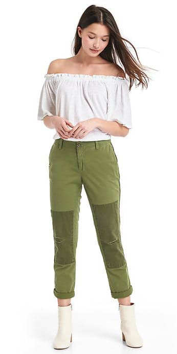 green-olive-chinos-pants-white-top-offshoulder-white-shoe-booties-gap-howtowear-fashion-style-outfit-spring-summer-brun-weekend.jpg
