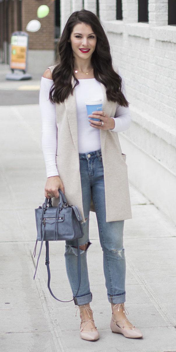 blue-light-skinny-jeans-blue-bag-pink-shoe-flats-white-vest-white-top-offshoulder-fall-winter-brun-lunch.jpg