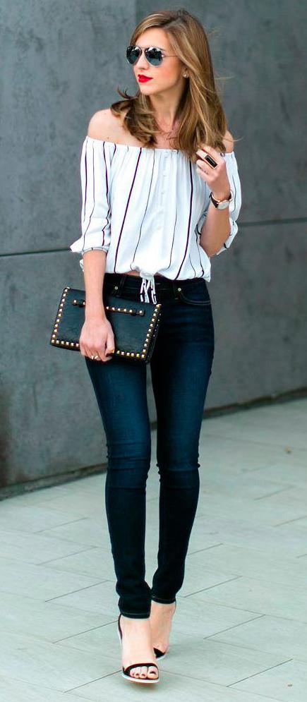 blue-navy-skinny-jeans-white-top-offshoulder-stripe-sun-black-bag-black-shoe-sandalw-howtowear-fashion-style-spring-summer-outfit-hairr-lunch.jpg