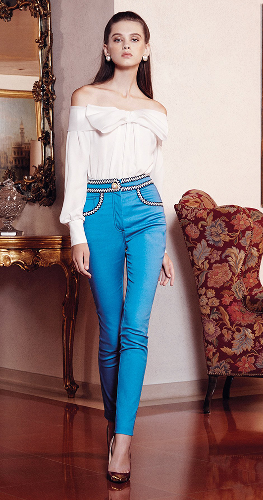 blue-med-skinny-jeans-white-top-offshoulder-studs-howtowear-fashion-style-outfit-spring-summer-hairr-lunch.jpg