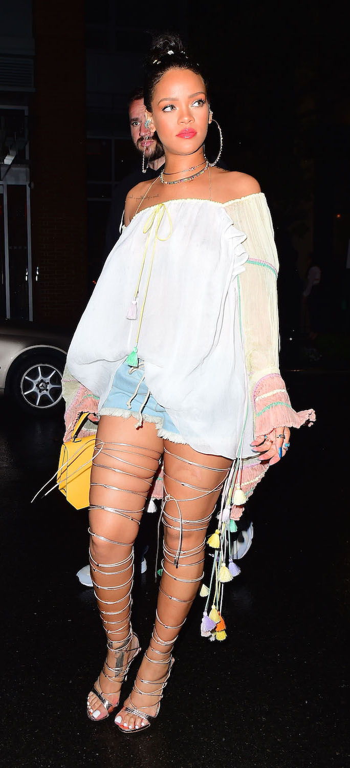 blue-light-shorts-white-top-offshoulder-hoops-necklace-gladiator-bun-yellow-bag-gray-shoe-sandalh-howtowear-fashion-style-outfit-spring-summer-rihanna-brun-lunch.jpg