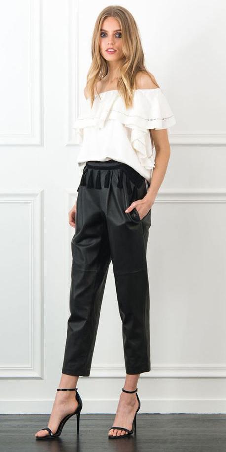 black-joggers-pants-white-top-offshoulder-black-shoe-sandalh-spring-summer-blonde-dinner.jpg