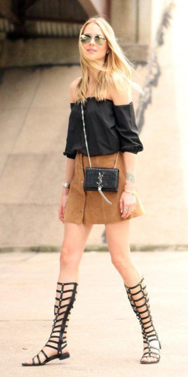 camel-mini-skirt-black-shoe-sandals-gladiators-black-top-offshoulder-blonde-black-bag-sun-spring-summer-weekend.jpg