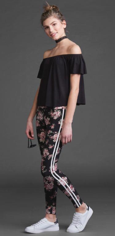 black-leggings-black-top-offshoulder-floral-print-choker-bun-white-shoe-sneakers-howtowear-fashion-style-outfit-spring-summer-hairr-weekend.jpg