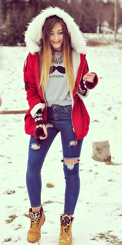 blue-med-skinny-jeans-grayl-sweater-sweatshirt-graphic-blonde-gloves-tan-shoe-booties-red-jacket-coat-parka-fall-winter-outfit-weekend.jpg