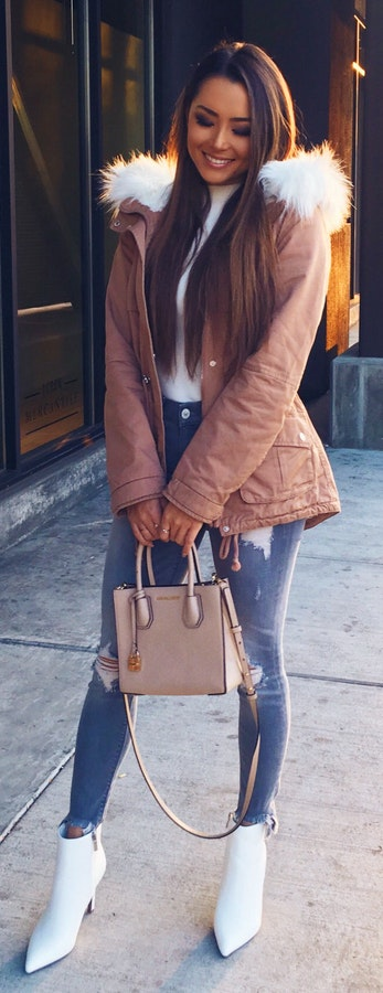 blue-med-skinny-jeans-tan-bag-white-shoe-booties-brun-white-tee-turtleneck-camel-jacket-coat-parka-fall-winter-outfit-lunch.jpg