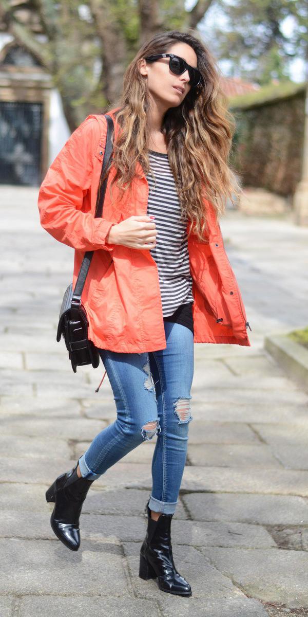 blue-med-skinny-jeans-grayd-tee-stripe-black-shoe-booties-black-bag-hairr-sun-orange-jacket-coat-parka-fall-winter-outfit-weekend.jpg