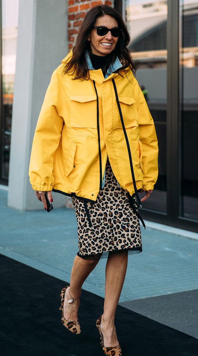 tan-pencil-skirt-leopard-print-tan-shoe-pumps-hairr-sun-black-bag-layer-yellow-jacket-coat-parka-fall-winter-outfit-lunch.jpg