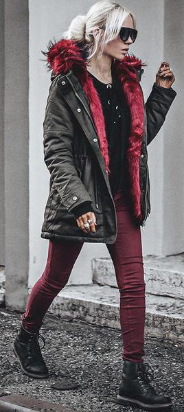 burgundy-skinny-jeans-black-sweater-blonde-bun-sun-black-shoe-booties-green-olive-jacket-coat-parka-fall-winter-outfit-weekend.jpg