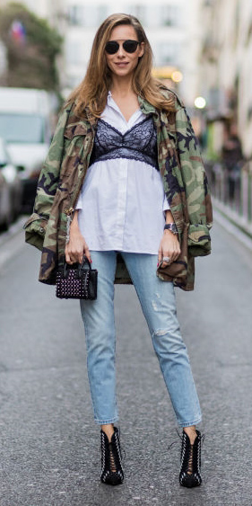 blue-light-skinny-jeans-white-collared-shirt-black-bralette-layer-blonde-sun-black-bag-black-shoe-booties-camo-green-olive-jacket-coat-parka-fall-winter-outfit-lunch.jpg
